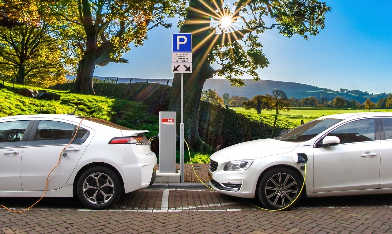 Increasing the flexibility of the power system for efficient integration of renewables and electric vehicles